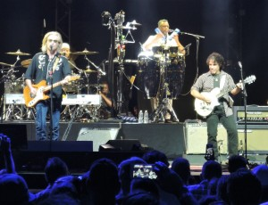 Hall & Oates never disappoint, especially in their home area of Philadelphia. (Photo by Mike Morsch)