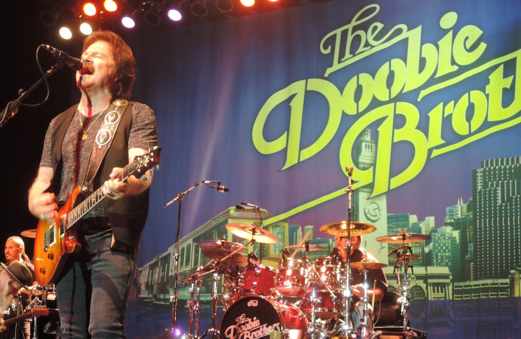 The Hooters and The Doobie Brothers: Rushing the stage at any age