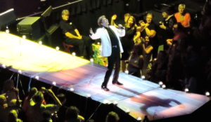 Barry Manilow wows the Philadelphia crowd on Saturday, June 13, 2015.  (Photo by Mike Morsch)
