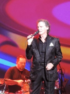 B.J. Thomas sings one of his hits at the Sixties Spectacular show. (Photo by Mike Morsch)